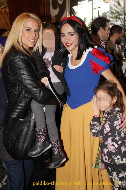Έλενα Ασημακοπούλου και Αγγελική Δαλιάνη με τις κόρες τους