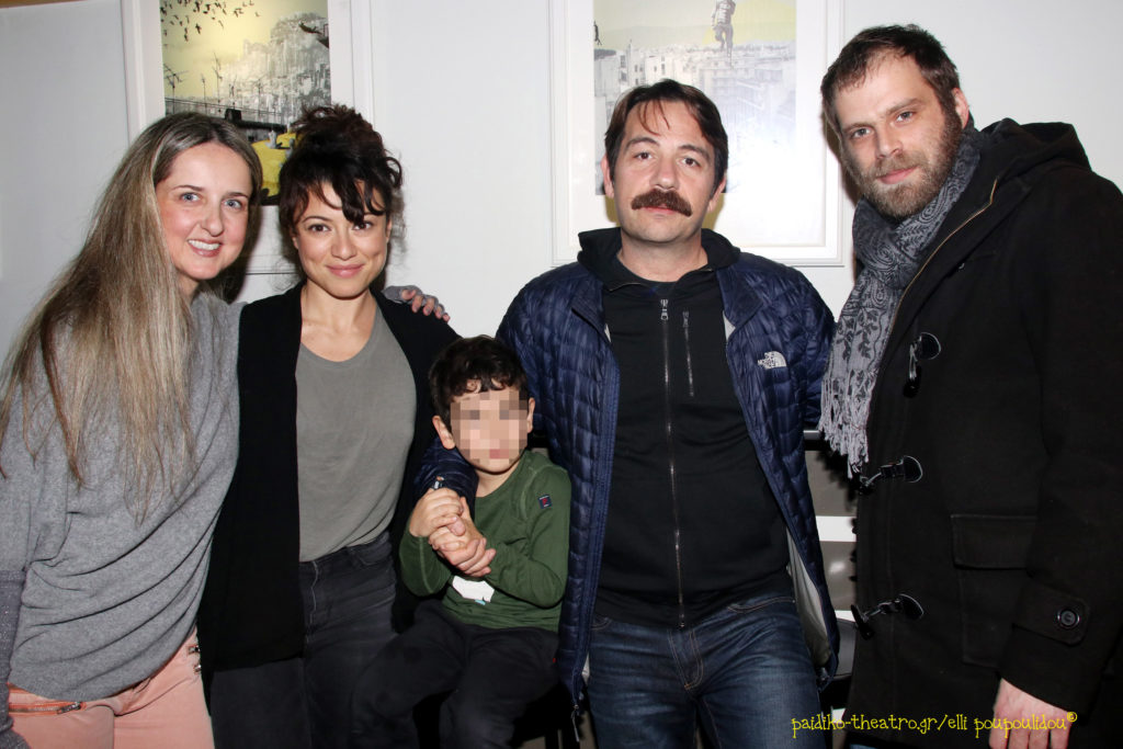 Γιάννα Δεληγιάννη-Αλέξανδρος Λογοθέτης με τη σύζυγό του & τον γιό τους-Όμηρος Πουλάκης