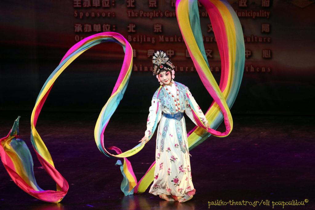 Εορταστικό show για την χρονιά του κόκκορα στο Badminton