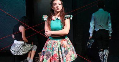 Είδαμε…Το κορίτσι που επιμένει στο θέατρο Άβατον