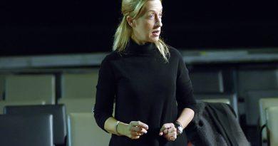Σοφία Βγενοπούλου: «Το εφηβικό θέατρο είναι ένα κίνημα. Είναι κάτι στο οποίο είσαι ταγμένος ως συνδημιουργός»