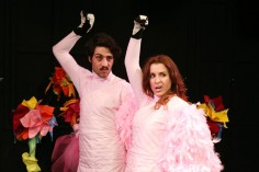 Κερδίστε προσκλήσεις για την παράσταση «Δεν είμαι φλαμίνγκο» στο θέατρο 104